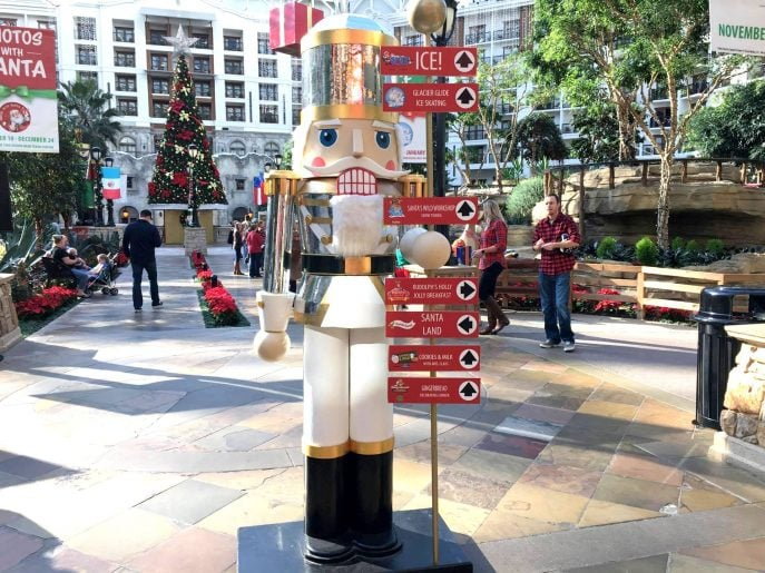 lone-star-christmas-celebrations-at-the-gaylord-texan-this-year-mommysnippets-com-lsc2016-texas-travel-hosted-5
