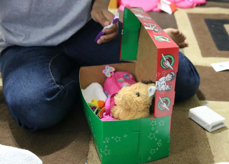 Ideas for Packing Your Operation Christmas Child Shoebox (+ Printable Checklist)