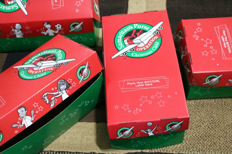 Christmas Shoebox.Operation Christmas Child Ideas