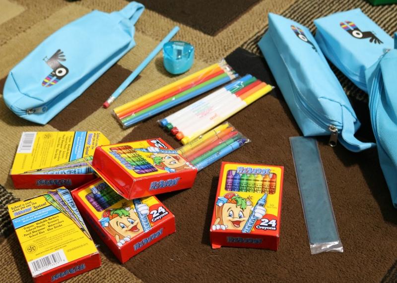 keep it low tech - Operation Christmas Child Ideas