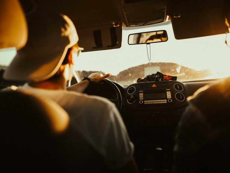 Tips on how to avoid a messy car on a road trip