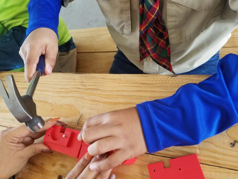 Best gift ideas for a boy scout