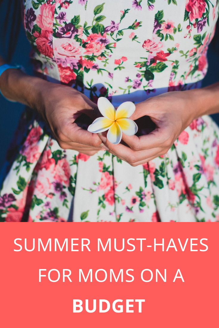 The Best Summer Fashion Must-Haves For Moms on a Budget _ MommySnippets.com #Sponsored