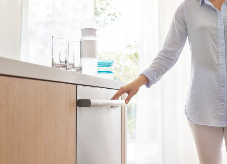 3 Quick and Effective Cleaning Tips For Your Kitchen