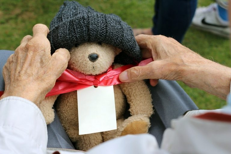 How to Send a Care Package to Seniors in Your Community This Holiday Season