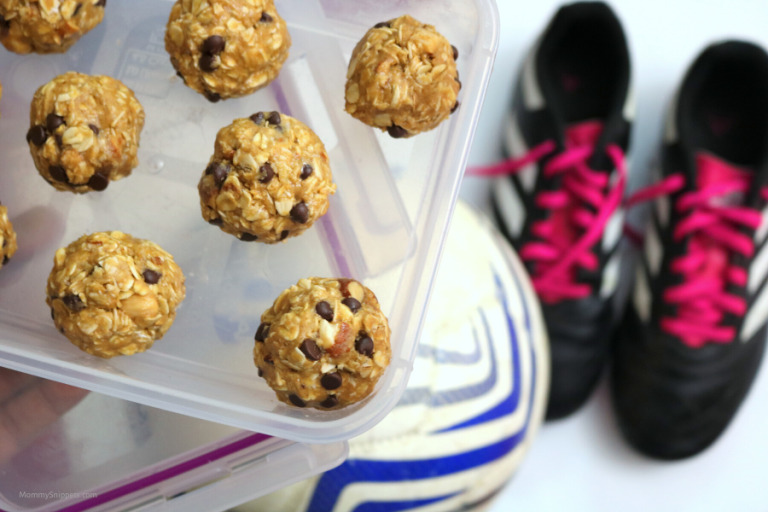 One of The Best Healthy Snacks for Athletes: No-Bake Peanut Butter Protein Balls!