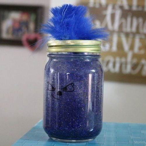 How to Make a Sonic the Hedgehog Sensory Calm Down Jar- MommySnippets.com