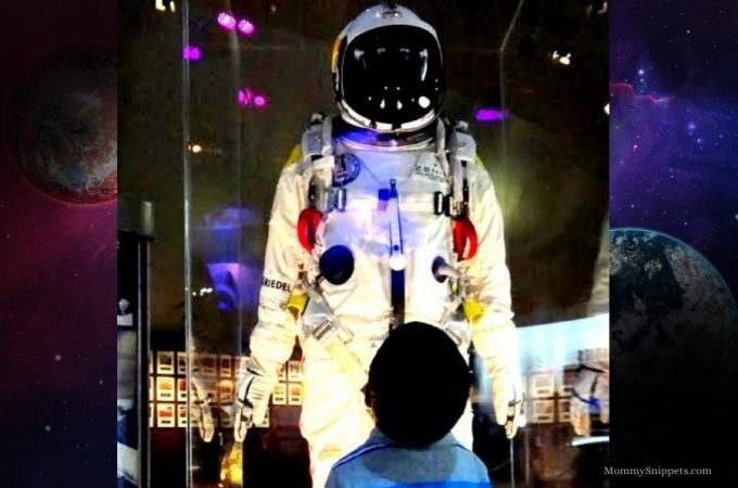 How to throw the best Space Camp for Kids, at home (+ Giveaway)