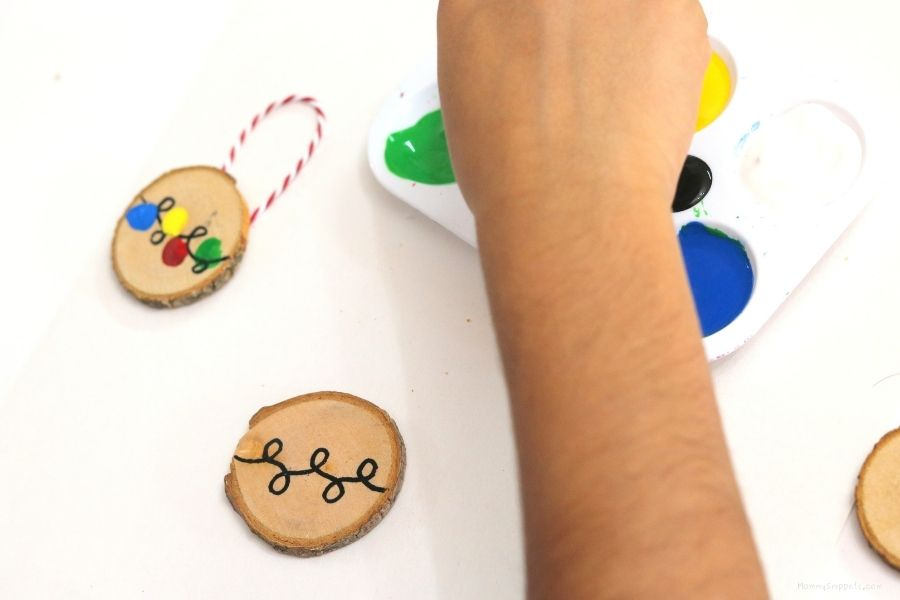 Easy Fingerprint Christmas Ornament Crafts for Kids