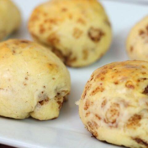3 ingredient baked apple fritter rolls