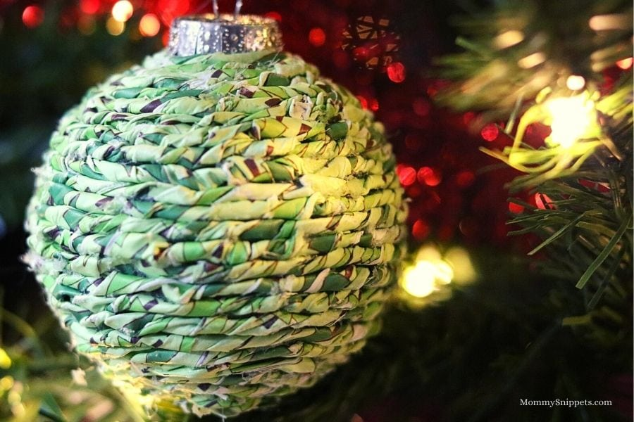 An Easy DIY Twisted Paper Ornament Tutorial