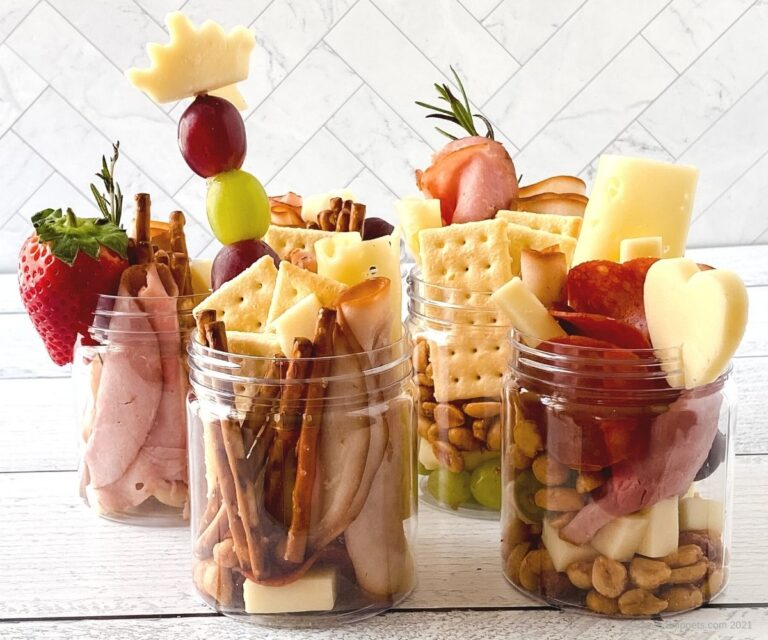 How to Make a Savory Jarcuterie- the Individual Charcuterie Jar Everyone Loves